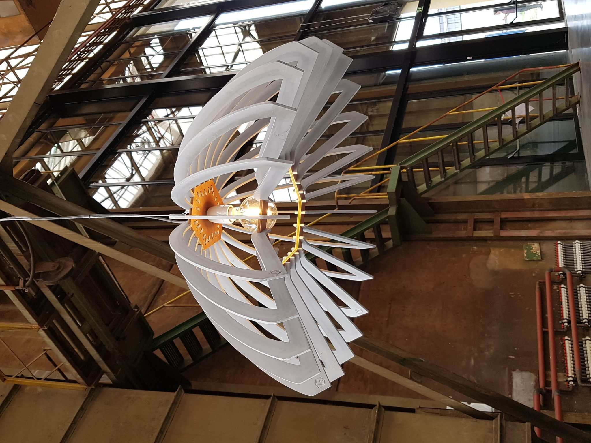 Lina-concrete-pendant-lamp-side