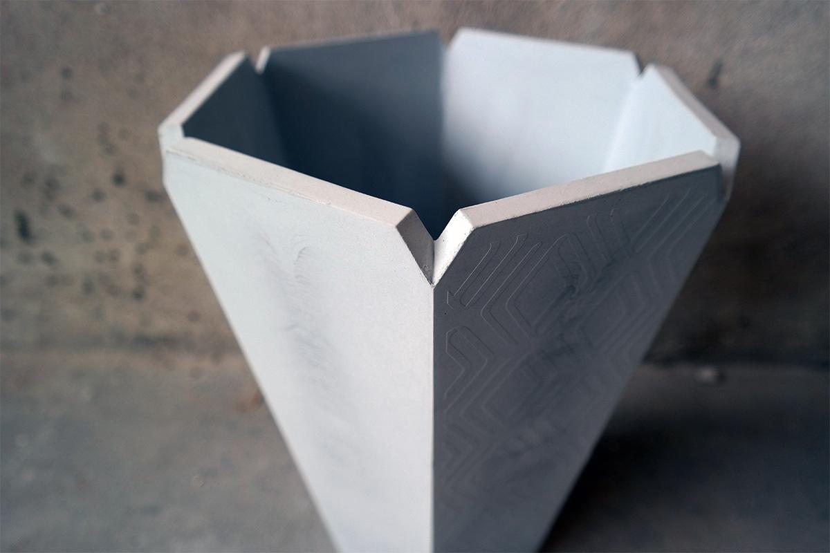 ALICE-concrete-vase-detail