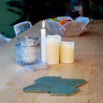 MODI-beton-onderzetter-groen-tafel